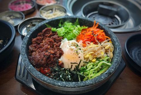 Dolsot Bibimbap at Hanjip