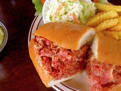 Sandwich at Johnnie's Pastrami