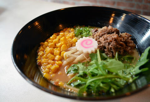 Mei-jin ramen with corn, arugula and beef
