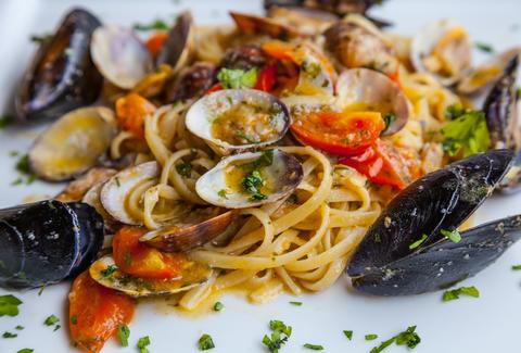 spaghetti and clams