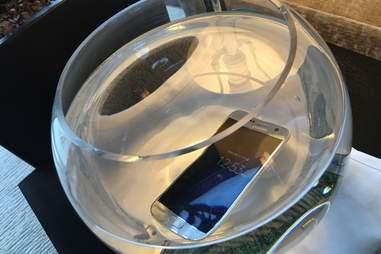 Samsung Galaxy s7 water resistant design