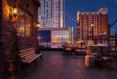 Rooftop patio of Commonwealth