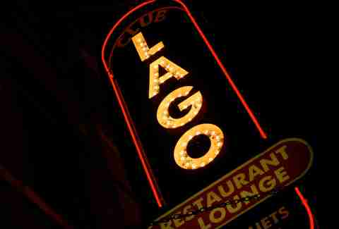 Sign for Club Lago in Chicago