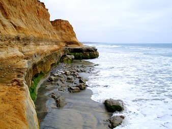 Terramar Cliffs, San Diego surfing