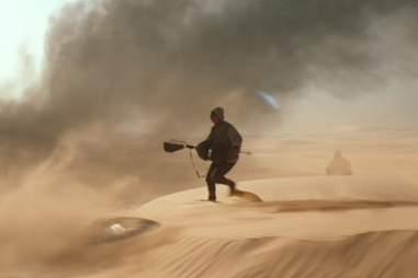 force awakens falcon chase