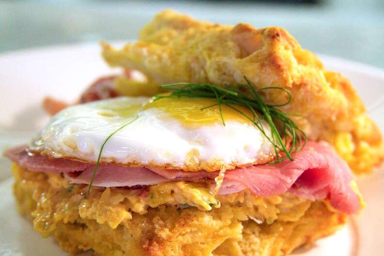 Mulebone, breakfast sandwich