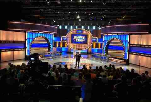 Family Feud Set
