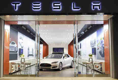 Tesla's Stores Make More Sense than Dealerships