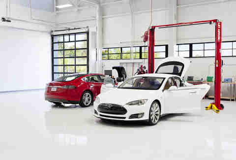 Tesla service centers will reduce amateur repairs
