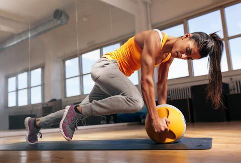 woman doing abdominal exercises exercise benefits