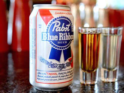 pabst blue ribbon bar beer