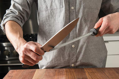 sharpen a knife kitchen skills