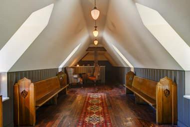interior of tom bergin's vestal los angeles