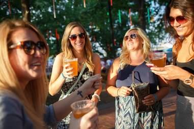 spruce street harbor park beer garden