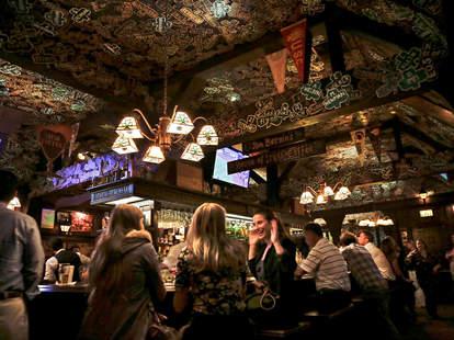 tom bergin's interior los angeles irish bar