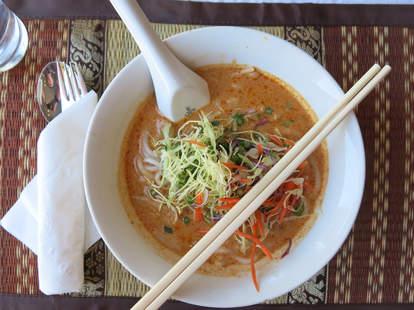 Maneelap San francisco laotian food