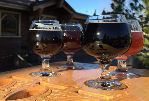 hammerheart brewing glasses thrillist
