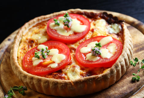 tomato and cheese quiche