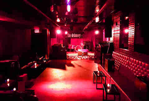the delancy booths stage bar nyc red room thrillist