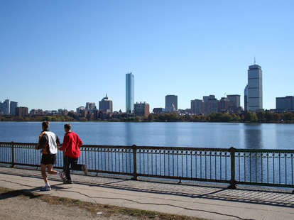 jogging, joggers, jogging on the charles