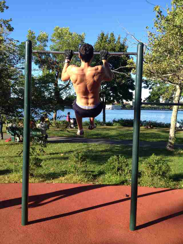 Boston Espalande, pullups