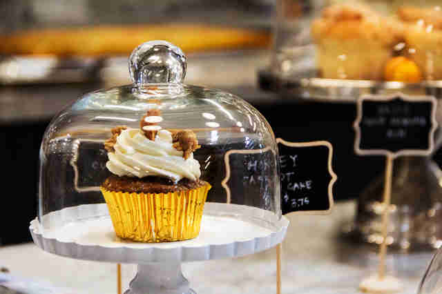 cupcake, crafted baked goods