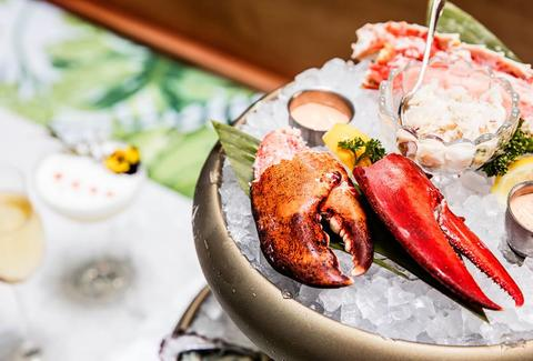 Leo's Oyster Bar on ice lobster thrillist san francisco