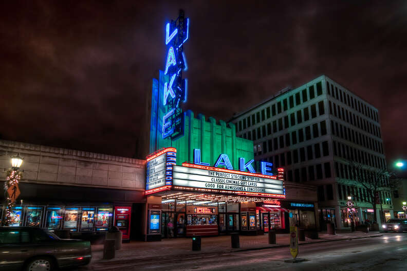 Oak Park, IL, Lake Theatre