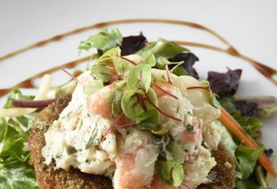 Riverhouse Restaurant & Raw Bar