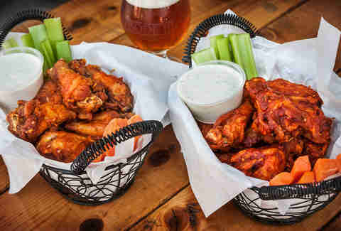 Phileas Foggs Bar & Restaurant wings