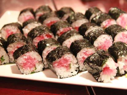 sushi rolls thrillist