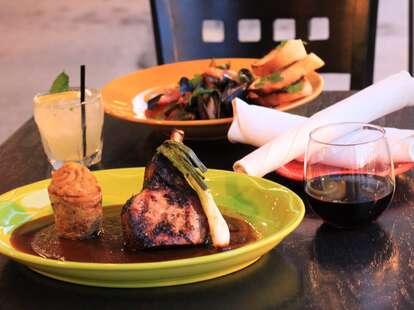De Noche Mexicana plates chicago