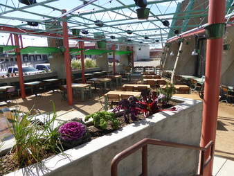 Mudhen Meat and Greens, outdoor patio