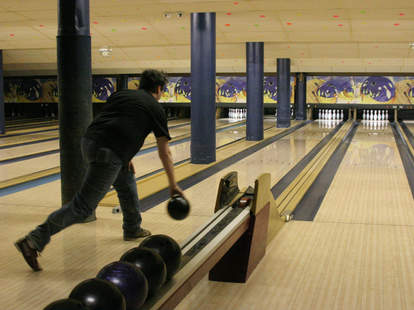 bowling alley, bowling