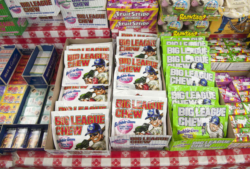12 Weird Facts You Didn't Know About Big League Chew - Thrillist