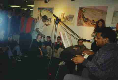 Wesley Willis performing in Chicago