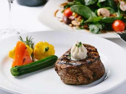 steak at Harris'