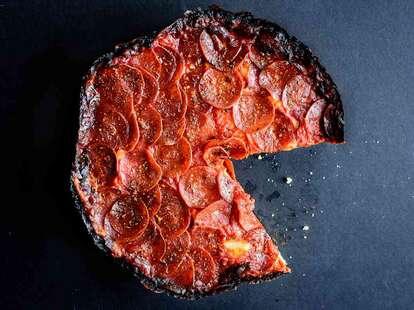pequods-deep-dish-pizza-chicago