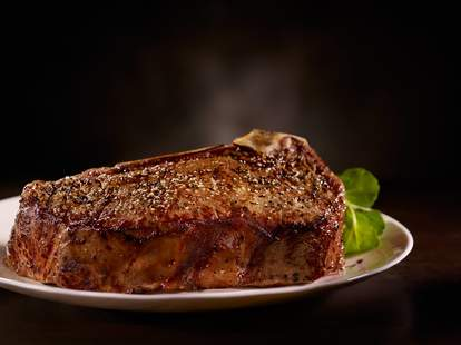 Del Frisco's Double Eagle Steak House steak close up thrillist