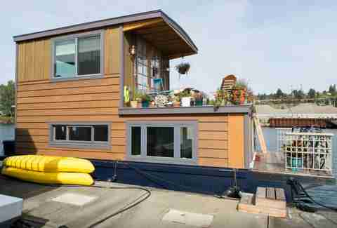 Seattle houseboat, Airbnb