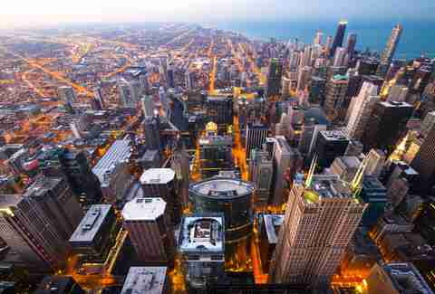 Why Google, Amazon, and Other Tech Companies Are Setting Up Shop in Chicago