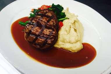 Jim Brady's Detroit steakhouse