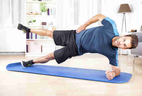 side plank, man doing side plank
