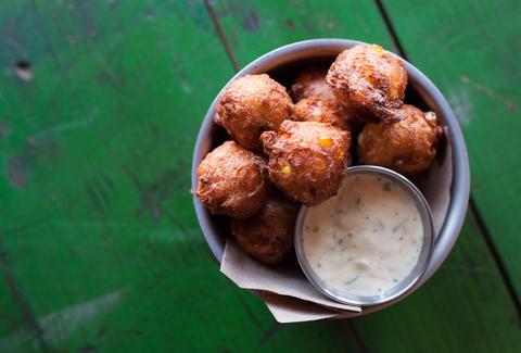 Houstons Best Cheap Happy Hour Food Specials Under 5 Thrillist