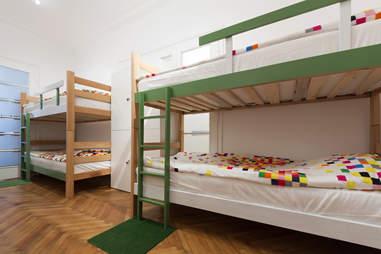 hostels travel
