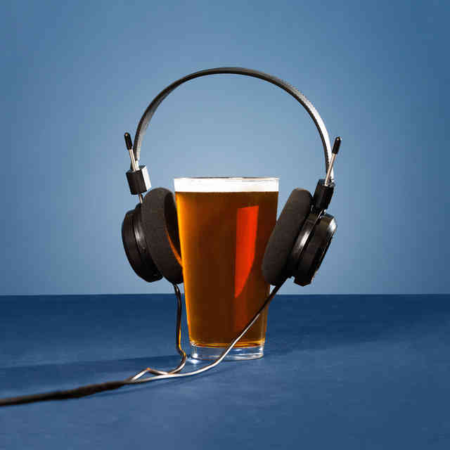7 Beer Podcasts That\'ll Make You an Expert