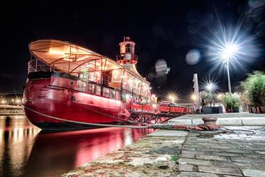 le batofar, paris night boat river