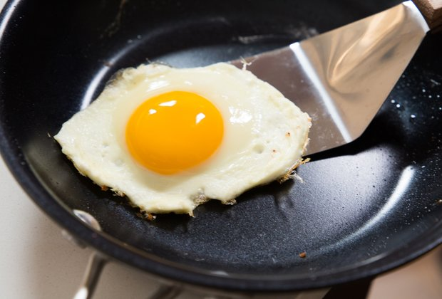 Things You're Doing Wrong When Cooking Eggs