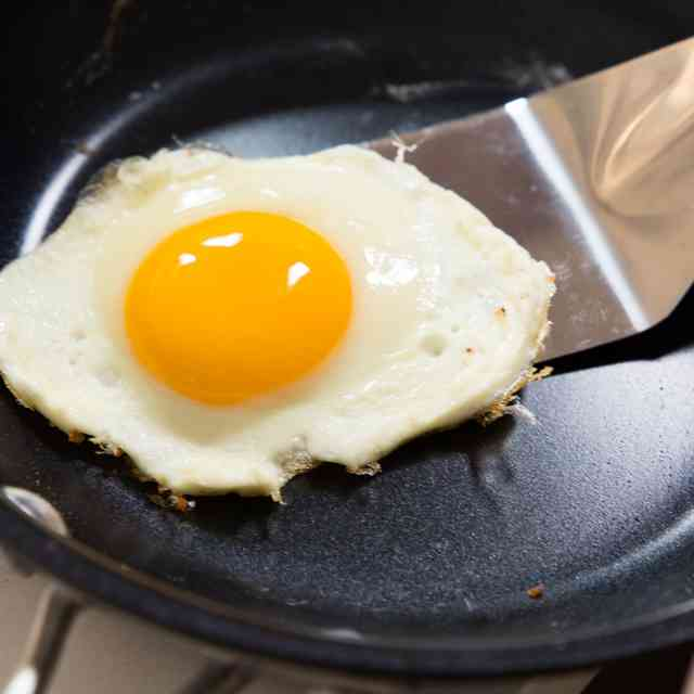 Things You\'re Doing Wrong When Cooking Eggs