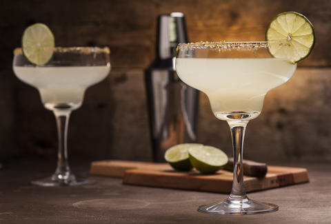 Simple Tequila Drinks Easy Recipes With Just 3 Ings Thrillist